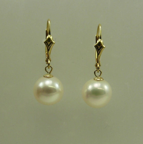 Freshwater Round White 9.1 mm Pearl Earring 14k Yellow Gold Lever Back