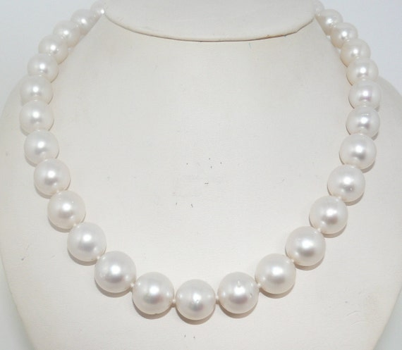 South Sea White 11 - 13.5 mm Round Pearl Necklace 14K White Gold Clasp 17 3/4""