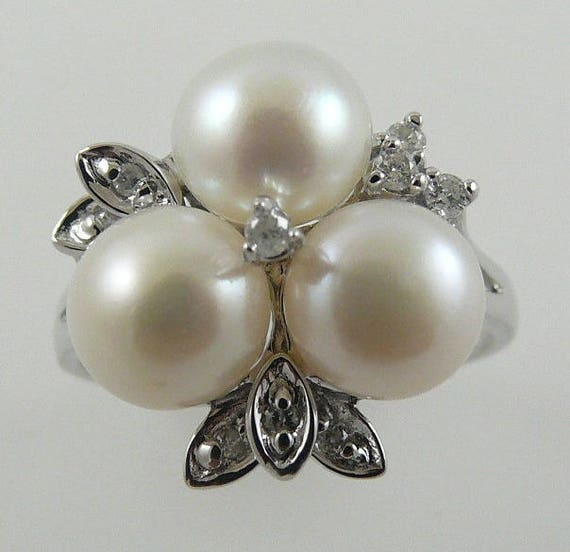 Freshwater 7 -7 1/2mm White Pearl Ring with Diamonds 0.13ct 14k White Gold
