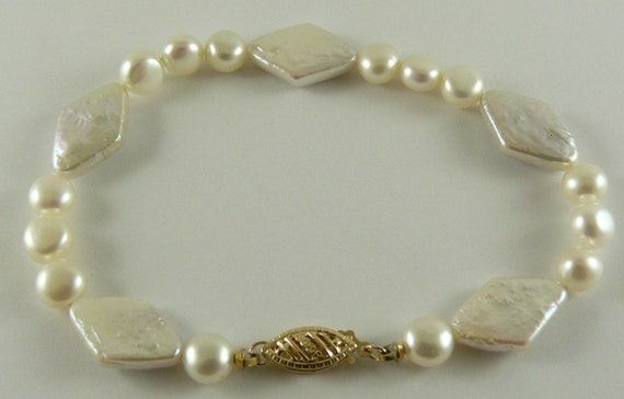 Freshwater Flat 6.0 - 6.3mm Diamond Shape 10.2 x 16mm Pearl Bracelet 14KY Gold