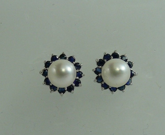 Akoya 6.7 mm White Pearl Earring and Sapphire 0.85ct Jackets 14k White Gold