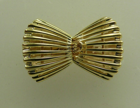 Bow Clasp 14k Yellow Gold
