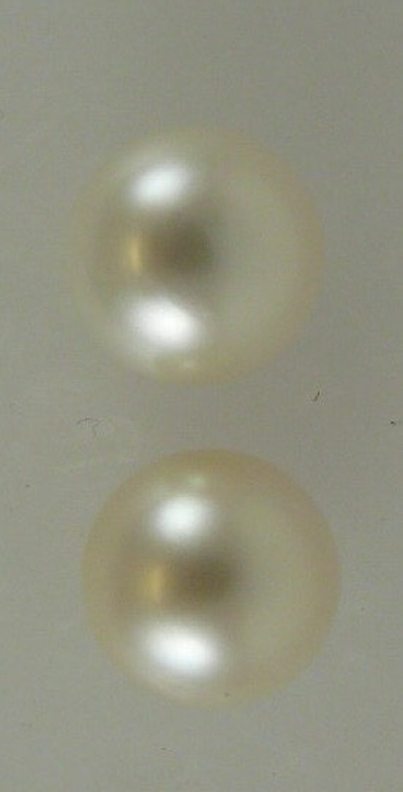South Sea White 10.1 mm Pearl Stud Earring 14k Yellow Gold