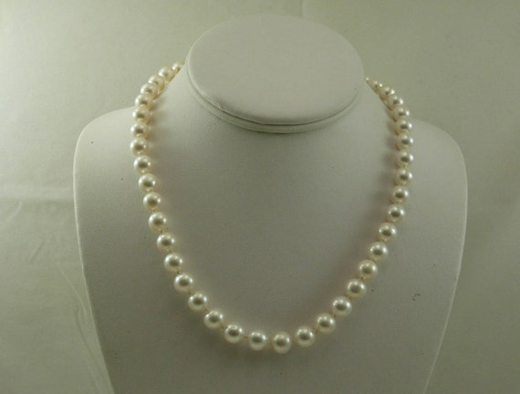 Cultured Freshwater White Pearl Necklace 14k White Gold Clasp 18 Inches