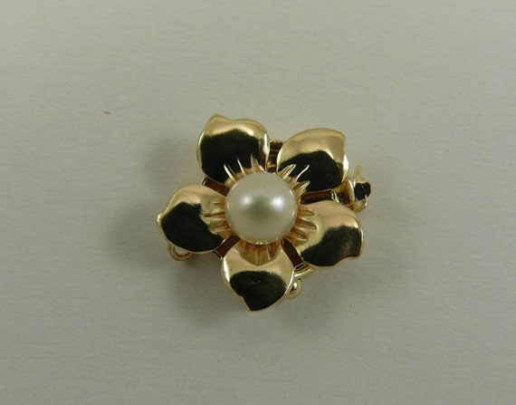 Freshwater White Flower 4.9 mm Pearl Clasp 14k Yellow Gold Single Strand