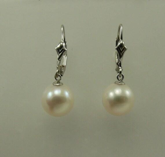 Freshwater Round White Pearl Earring 14k White Gold Lever Backs
