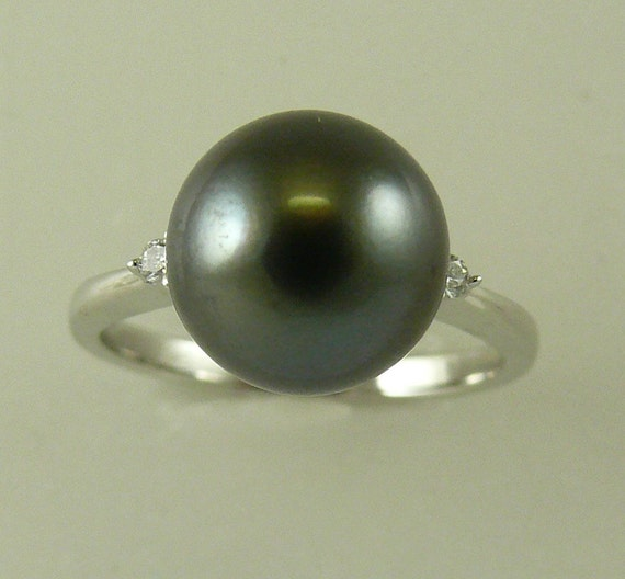 Tahitian Black 9.8 mm x 9.8 mm Pearl Ring 14k White Gold and Diamonds 0.04 ct