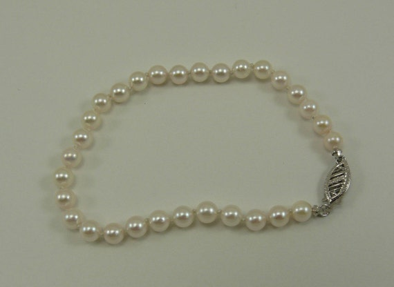 """Akoya White 4.7 mm- 5.0 mm Pearl Bracelet with 14k White Gold Clasp 7"""" Long"""
