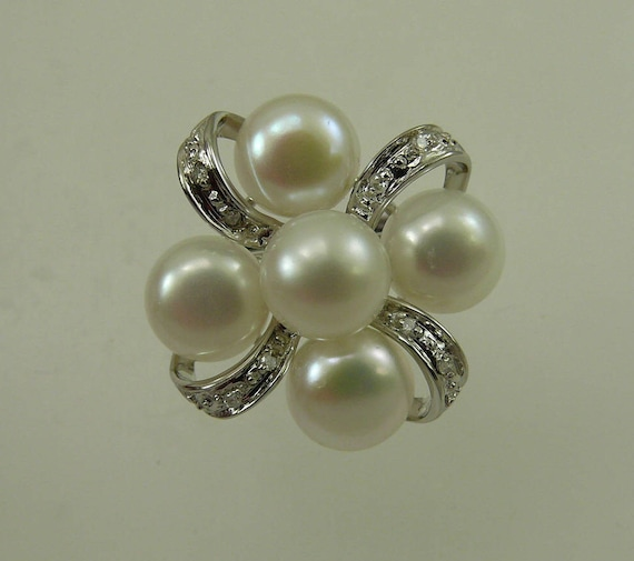 Freshwater White Pearl Ring 14k White Gold with Diamonds 0.04ct