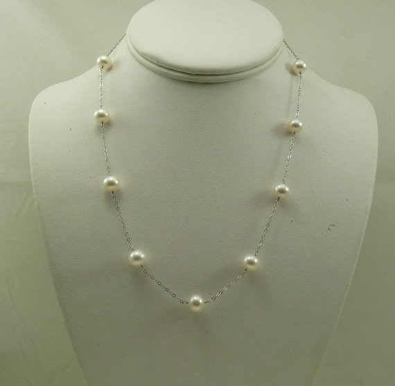 Freshwater White Pearl Tin Cup Necklace 14k White Gold 18 Inches