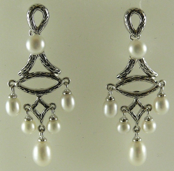 Freshwater White Pearl Dangle Earring with Sterling Sliver Setting