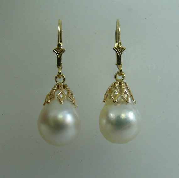 South Sea White Baroque Pearl Earring 14K Yellow Gold Lever Back