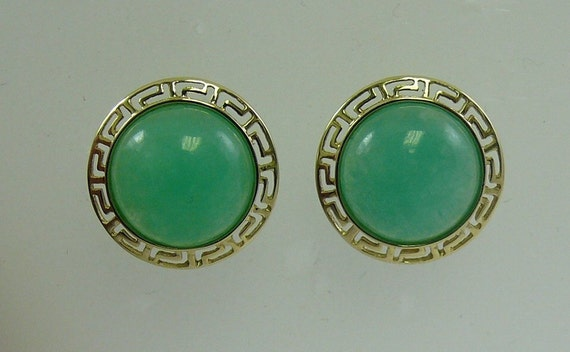 Green 12 mm Jade Earrings 14k Yellow Gold