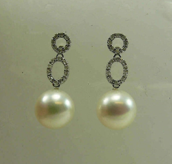 Freshwater White 10.0 & 10.2mm Pearl Earring with Diamonds 0.18ct 14k White Gold