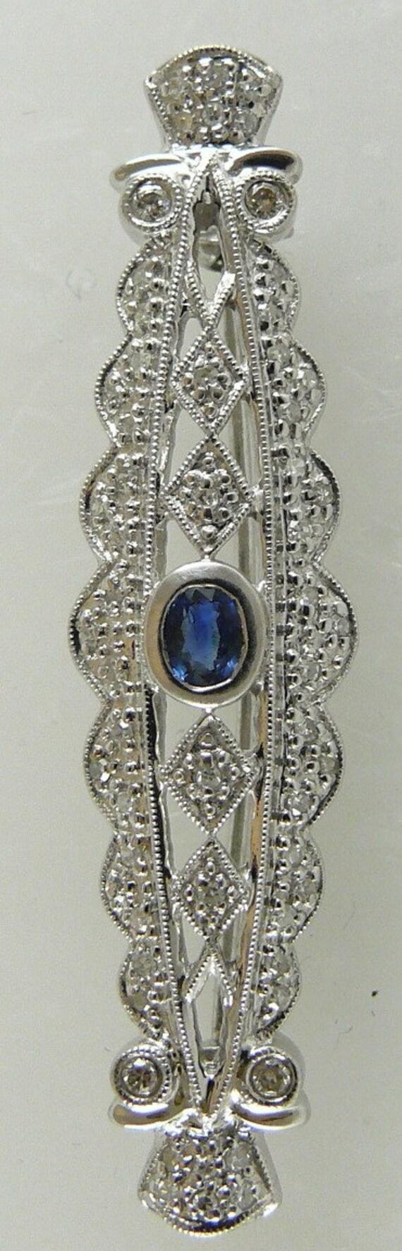 Sapphire 0.30ct Pin 18k White Gold with Diamonds 0.28ct