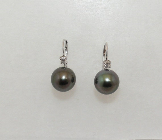 Tahitian Black Pearl Earrings 14k White Gold with Diamonds 0.20ct