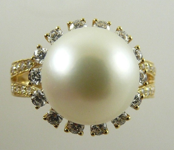 South Sea Creamy White 11.9 mm Pearl Ring,18k Yellow Gold with Diamonds 0.90 ct