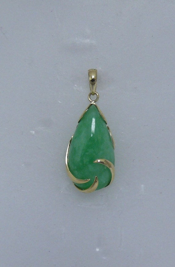 Green Jade Pendant 14k Yellow Gold