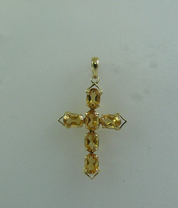 Citrine 2.40 ct Cross Pendant With 14K Yellow Gold