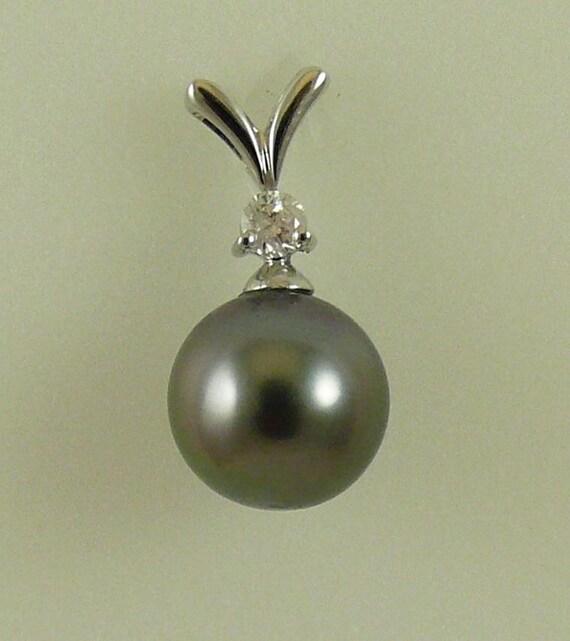 Tahitian Black 9.3 mm Pearl Pendant ,18K White Gold and Diamonds 0.09 ct