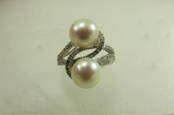 Freshwater White Pearl Ring with Diamonds 0.18ct 14k White Gold