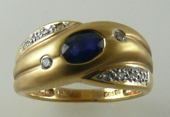 Sapphire 0.57ct Ring 14k Yellow Gold with Diamonds 0.08ct