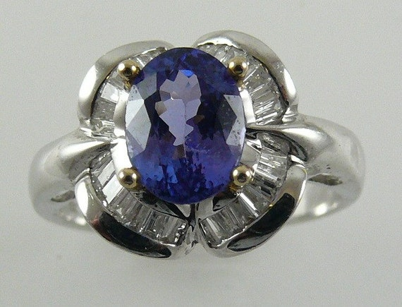 Tanzanite Ring 18k White and Yellow Gold with Diamonds