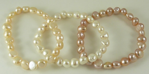 Freshwater Pearl 7 - 7.5 mm Stretchy Bracelets 7 Inches Pink, White & Dark Pink