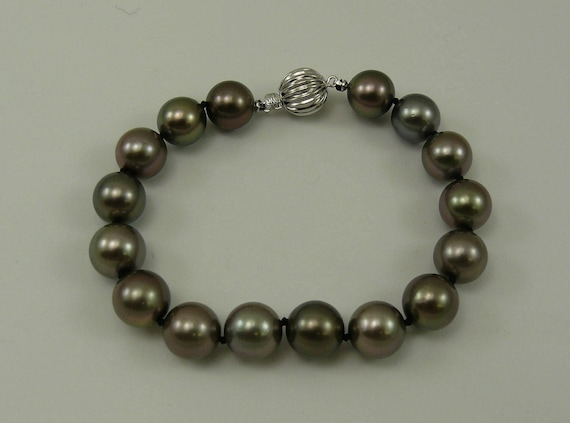 Tahitian Round Pearl Bracelet ,14k White Gold Clasp 7 3/4 Inches