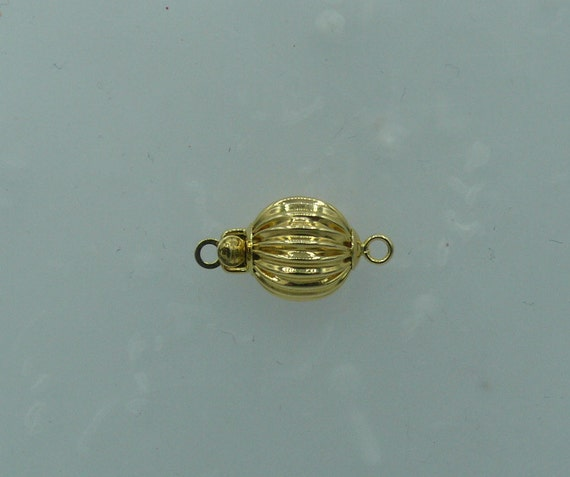 14K Yellow Gold 10 mm Ball Clasp