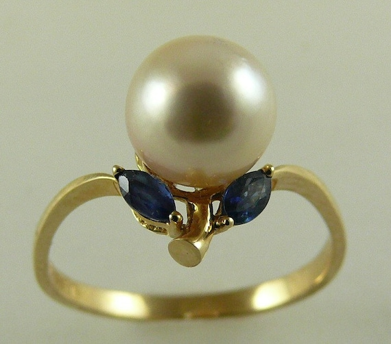 Akoya 7.7mm White Pearl and Sapphire 0.23ct Ring 14k Yellow Gold