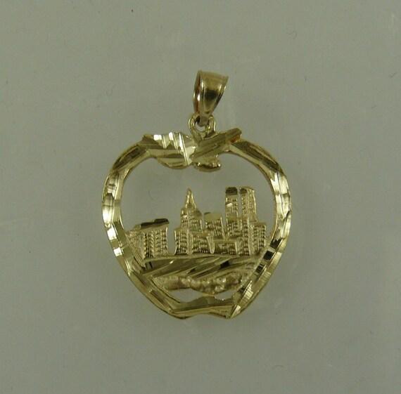 14k Yellow Gold New York City Pendant