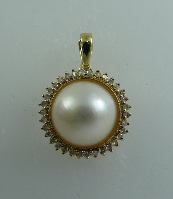 Mabe White 11.7 mm Pearl Pendant with Diamond 14K Yellow Gold