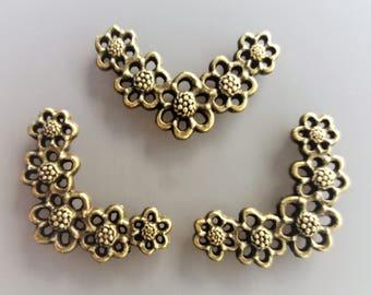 3 flower connectors 3.2 cm bronze color metal