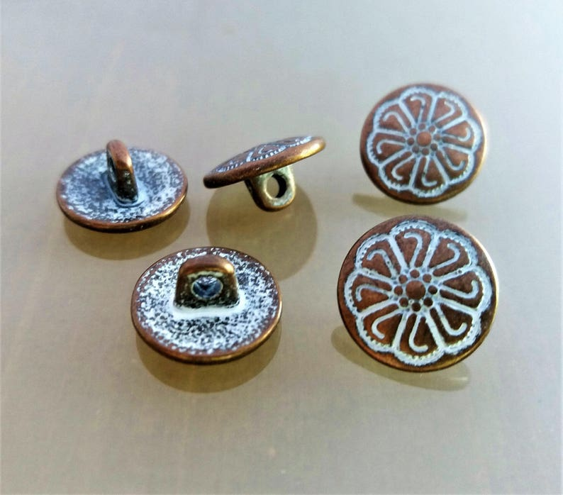 8 round buttons 12 mm engraved metal color copper and white