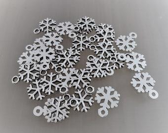 30 charms snowflakes Christmas metal color silver