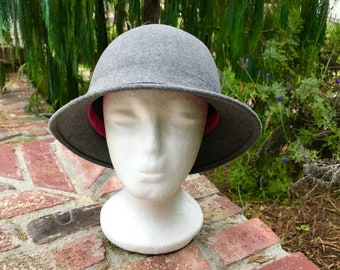 "b1e9ac39df8540 Nicely Shaped Frank Olive Fedora Felt Hat 21.5"" Around 5""Deep Made in the  USA 70's"