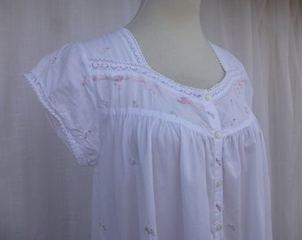8c64e66ce2 Vintage 80s 90s Amanda Stewart Country Floral Embroidered 100% Cotton  Nightgown S White Pink Rose Flowers Granny Pajamas Nightie Glam Garb
