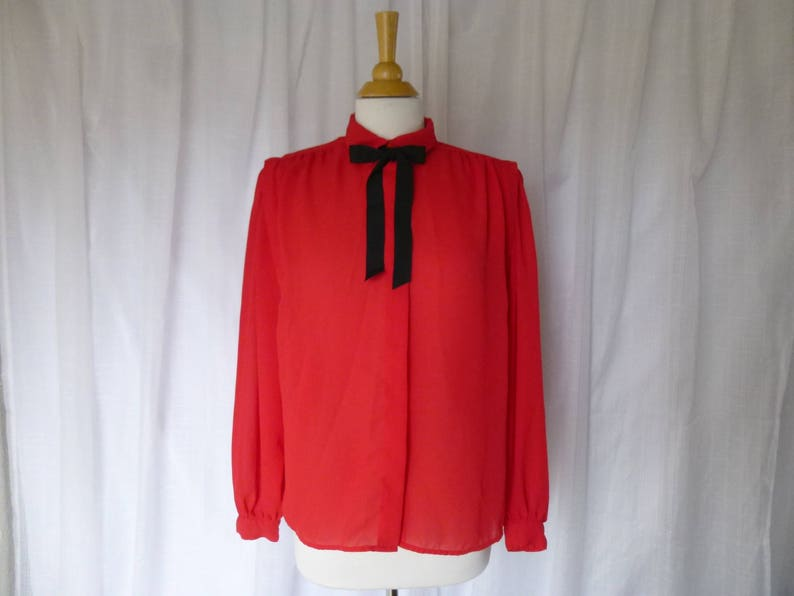 024dffcdc8cf31 Vintage 80s David Matthew Blouse Shirt L Red Crepe Bow Collar | Etsy