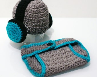 Crochet baby headphone hat with matching diaper cover, DJ hat and diaper cover, newborn photo prop