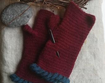 Fingerles mittens, nalbinding mittens, nalbinding gloves, work gloves, viking reenactment, reenactment gloves