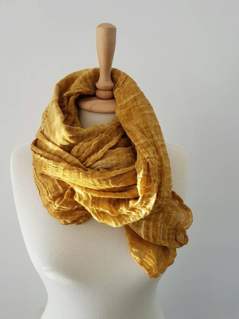 6b722f1a2b61d Moutarde jaune femme foulard écharpe tendance femme léger   Etsy