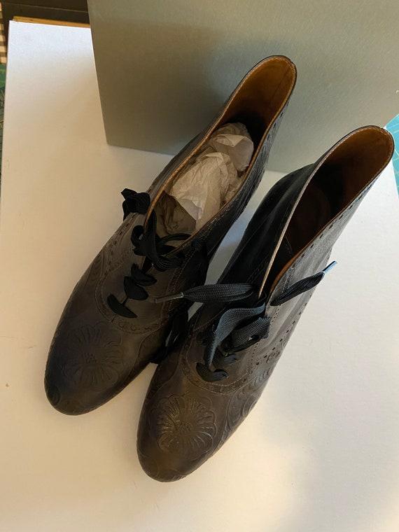 Perry Ellis Saville boots size 7M
