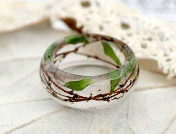 Resin Flower Ring Resin jewelry Nature Inspired Pressed Flower Ring Botanical Ring Terrarium Jewelry Spring Ring