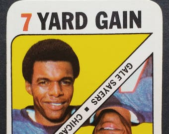 Gale Sayers ~ Topps Football Game Insert! Authentic Vintage 1971! Gale Sayers ~ Chicago Bears Topps Insert #10 1971! Near Mint Condition!