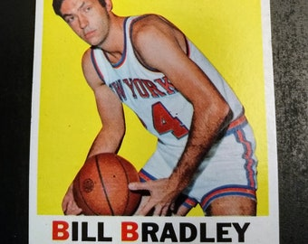 Bill Bradley, Topps Basketball Card, NY Knicks! Authentic Vintage 1971-72! Bill Bradley, New York Knicks, Topps Card #2! Excellent to NM