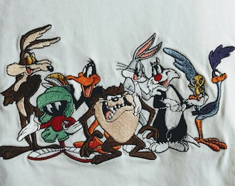 Looney Tunes, T Shirt Vintage, Embroidered! Authentic Vintage 1999! Looney Tunes Shirt, Warner Bros. Store, Rare Wile E. To Road Runner!