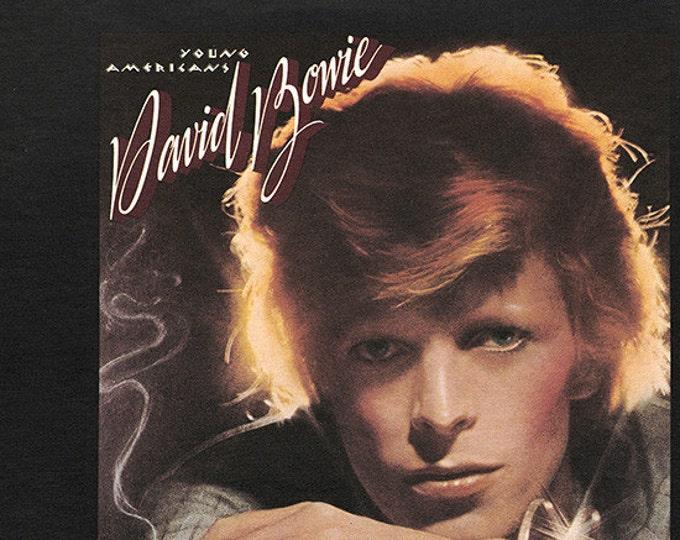 David Bowie Vinyl Record LP! Authentic Vintage 1976! David Bowie ~ Young Americans RCA Victor AFL1-0998  Excellent Condition Vinyl/Sleeves