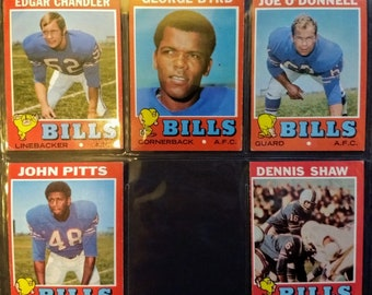 Buffalo Bills Topps Trading Cards! Authentic Vintage 1971! Topps Cards!  Butch Byrd / Edgar Chandler Plus 3 More! Excellent Condition!