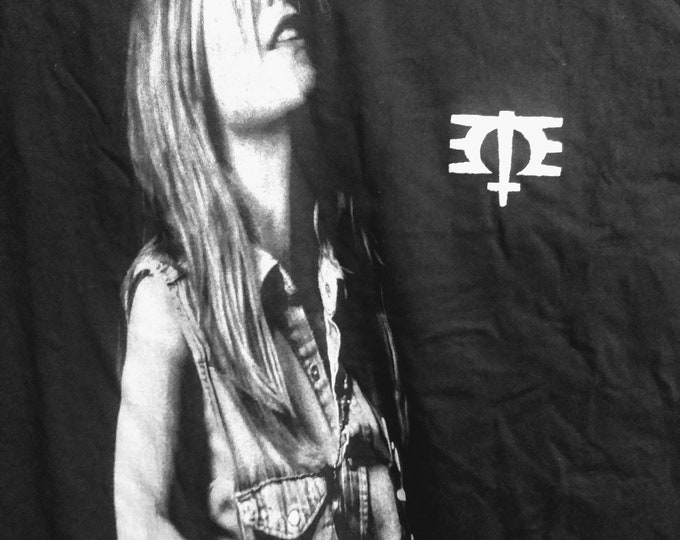 "Melissa Etheridge Concert T Shirt! Authentic Vintage 1994!Melissa Etheridge ""Yes I Am"" Tour!M.E. (This Is ME) Symbol On Left Chest!Like New"